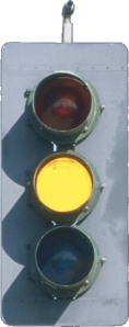 semáforo amarillo